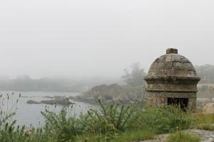 Bahía y torre del Castillo de Santa Cruz de Oleiros