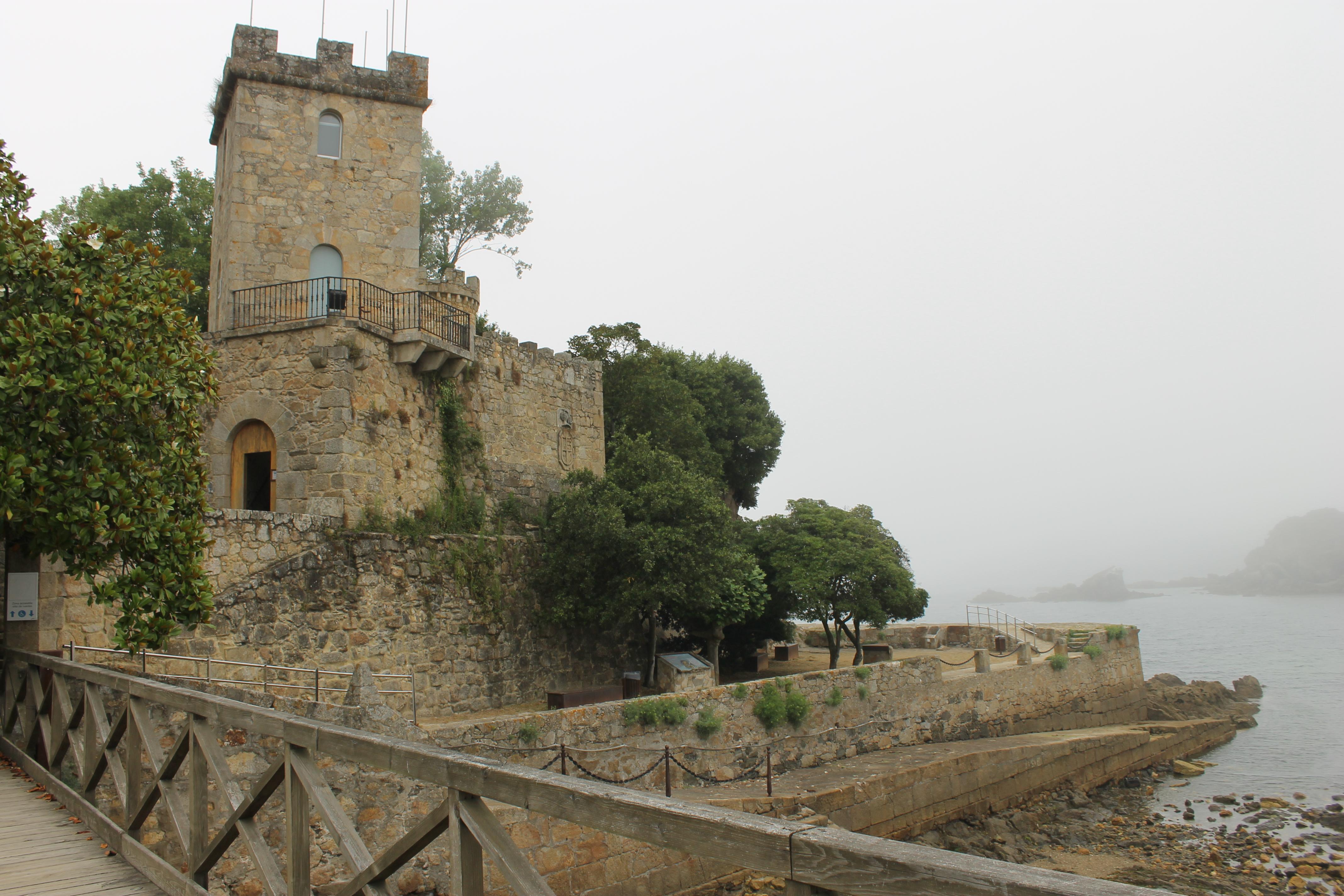 Desde el puente del Castillo de Santa Cruz de Oleiros